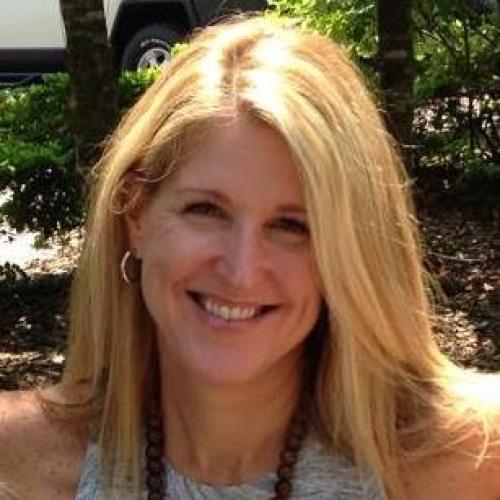 Ellen Biros Headshot